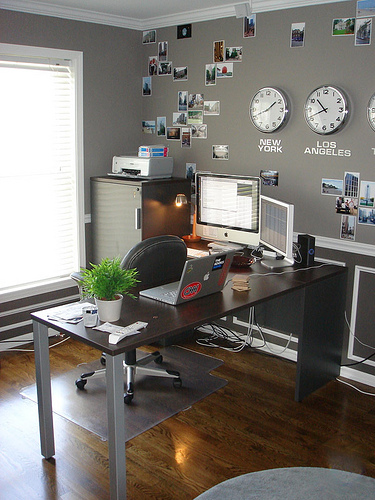 Corporate colors: Do offices decorate for personality or ...